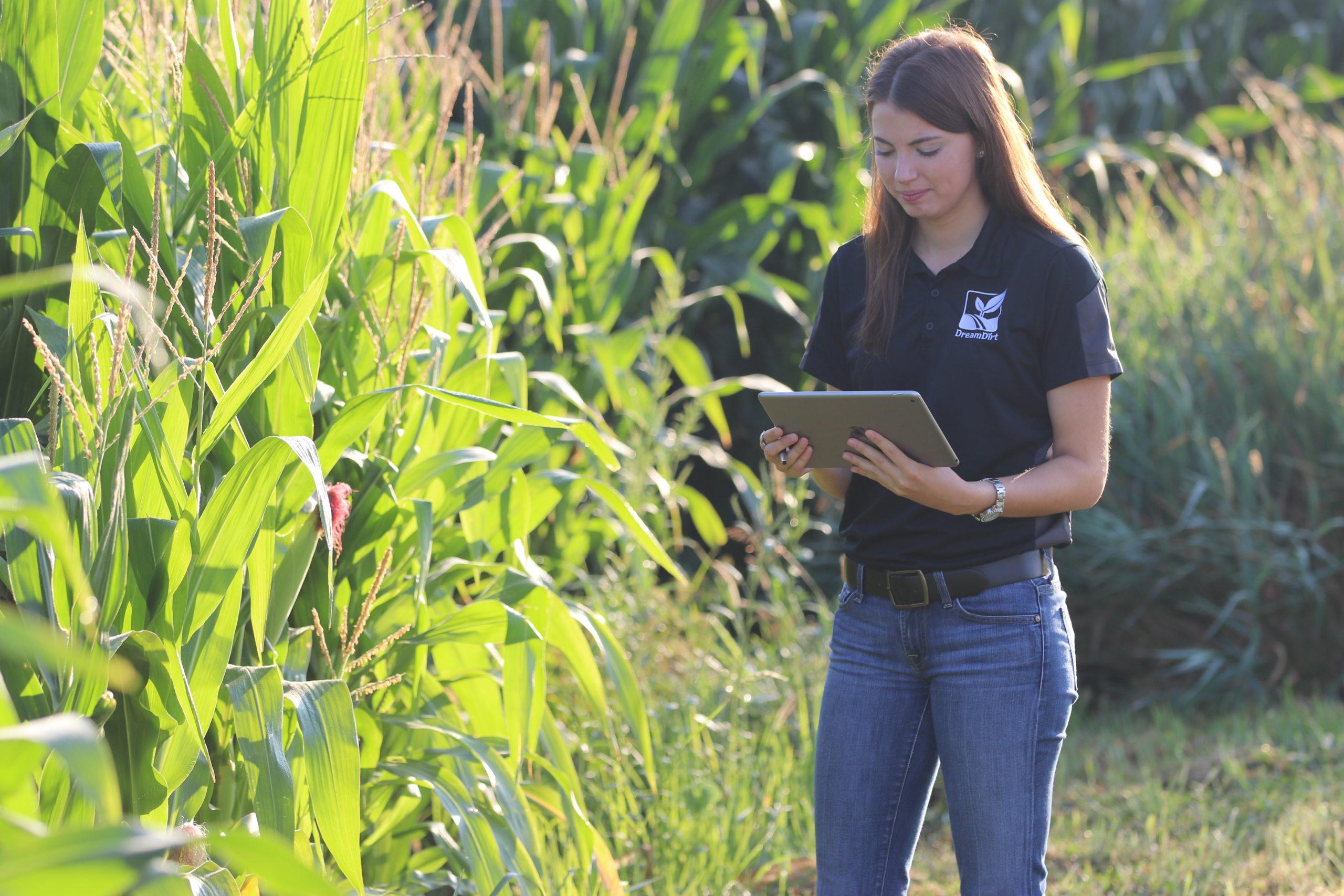 Rachel Hoy - Farmland Auctioneer